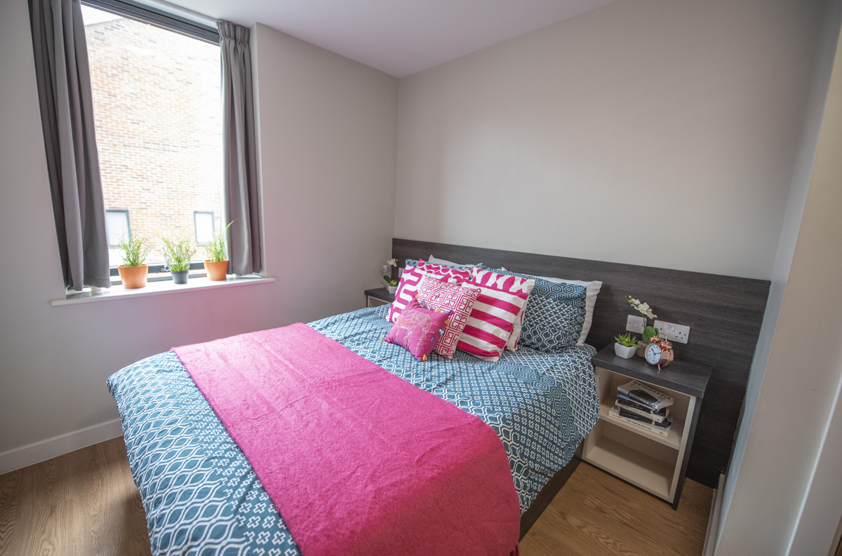 double bed studio apartment at Chronicle House