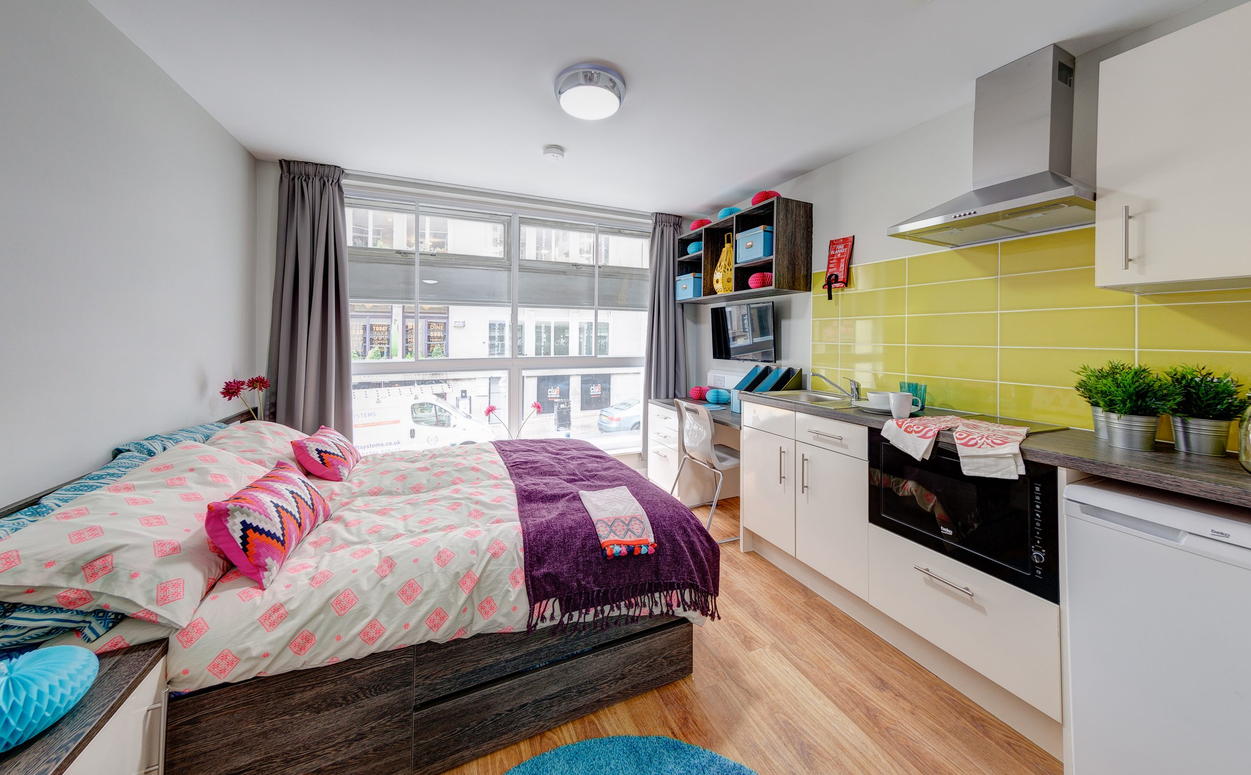 double bed and kitchen studio apartment in Stanley Court Liverpool